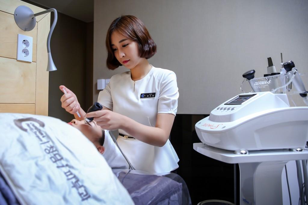 청담i성형외과피부과 의료진 (6)
